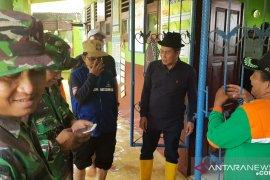 Wali Kota Syafrudin pastikan ruang kelas bersih pascabanjir