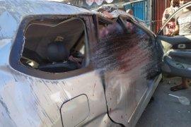 Mobil Avanza terbalik, dua warga dilaporkan tewas
