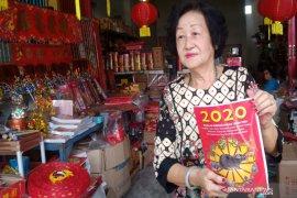 Pernak-pernik Imlek di Banjarmasin masih sepi pembeli