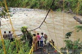 Polisi dalami penyebab putusnya jembatan di Bengkulu