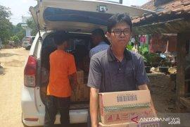 Karyawan OC Kaligis peduli banjir Lebak salurkan makanan bayi