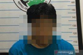 Pedagang mainan di Barabai ini ditangkap karena nyambi jualan obat haram