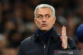 Mourinho tak sebut MU dari daftar kandidat empat besar Liga Inggris