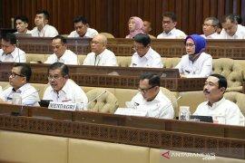 Komisi II: lanjutkan seleksi CPNS formasi khusus honorer