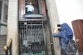"""Yuk lihat lift """"jadul"""" di Medan yang masih beroperasi"""