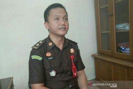 Kejari Palembang terima limpahan dua tersangka dugaan suap calon siswa bintara
