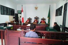 Hakim PN Ambon bacakan hasil visum penyebab kematian korban