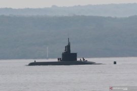 Uji coba kapal selam Alugoro