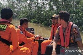 Basarnas cari seorang warga yang tenggelam di Sungai Pengabuan