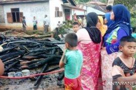 Ditinggal mengaji, rumah seorang janda di Tapsel ludes terbakar