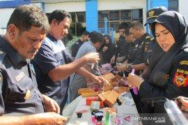 Bea cukai Banda Aceh Musnahkan Barang impor ilegal