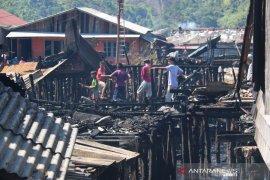 Kebakaran di Sibolga menghanguskan 24 rumah