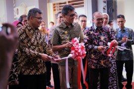 Semen Indonesia revitalisasi laboratorium UBH Sumatera Barat