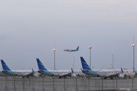 Maskapai Garuda semprot pesawat dengan cairan khusus cegah virus corona