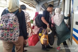 Tiket kereta api ekonomi di Daop Jember terjual habis jelang libur Imlek