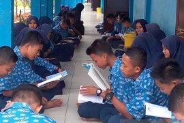 "SMPN 17 Tanjabtim tingkatkan budaya baca melalui ""Gerabah"""