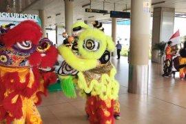 Atraksi barongsai meriahkan libur Imlek di Bandara Jambi