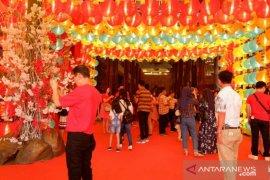 Ribuan lampion hiasi Vihara Maitreya sambut perayaan Imlek