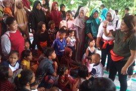Relawan dari Jakarta bantu pemulihan trauma anak-anak korban banjir