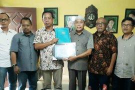 HPN 2020, PWI Jatim serahkan tali asih kepada wartawan senior