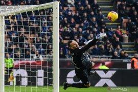 Kiper Inter Milan alami patah jari saat berlatih