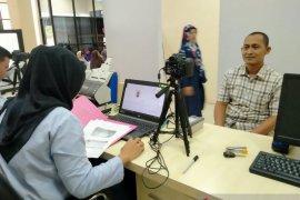 UKK Imigrasi Bojonegoro selesaikan paspor haji calon jamaah Tuban