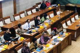 Gubernur BI : Seluruh transaksi di Indonesia harus pakai Rupiah