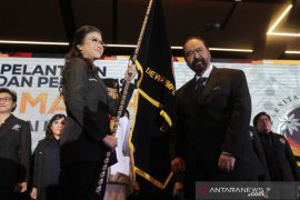 Paloh lantik pengurus DPP Garda Wanita