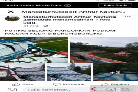Puting beliung hancurkan podium Lapangan Pacuan Kuda Siborongborong