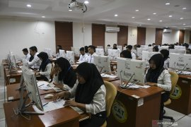 Ekspresi Peserta Tes CPNS Di Palembang Page 4 Small
