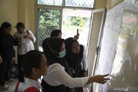 Ekspresi Peserta Tes CPNS Di Palembang Page 6 Small