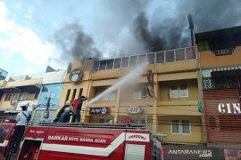 Hotel 61 Banda Aceh terbakar