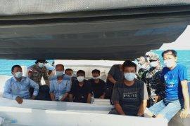Enam warga China terdampar di Rote Ndao negatif virus corona