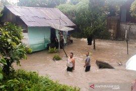 Hujan Deras, sejumlah titik di Padangsidimpuan banjir