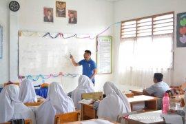 Relawan Australia latih siswa Aceh berbahasa Inggris