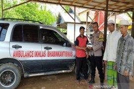 Bhabinkamtibmas Polres Banjarbaru hibahkan mobil untuk warga