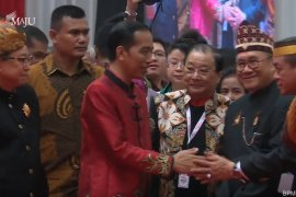 Presiden Jokowi kenakan Cheongsam saat hadiri perayaan Imlek nasional