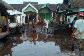 Gubernur bawa bantuan logistik untuk korban banjir Bondowoso