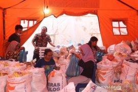 Hari ini Bupati Tapteng serahkan 2.565 paket Sembako di Barus