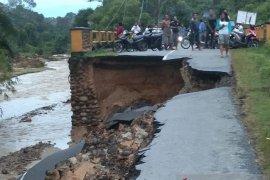 Bupati Tapteng: Ini adalah banjir terbesar selama saya ada