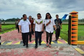 Kepala Staf Kepresidenan berkunjung di Pulau Nias