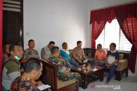 Bupati Tapteng dan Pemprovsu rapat bersama untuk pendataan yang akurat