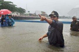 Banjir di 27 lokasi, PUPR Tangerang kerahkan 255 petugas