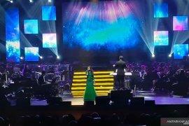 Rossa dan Afgan adakan lelang lagu di konser