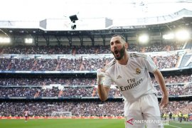 Gol tunggal Benzema bawa Real menangi derbi Madrid