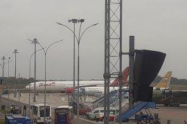 Pesawat pembawa WNI dari Wuhan tiba