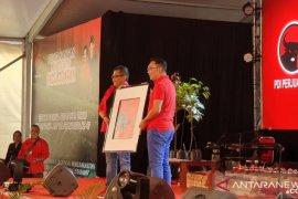 Gubernur Jabar berikan hadiah khusus untuk Megawati