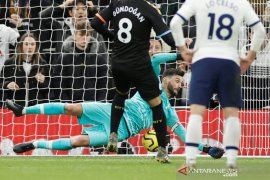 Gundogan gagal penalti, Tottenham bekuk Man City 2-0