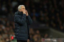 Mourinho bantu Liverpool jaga jarak 22 poin