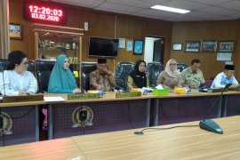 WNI asal Riau diperbolehkan pulang setelah 14 hari dikarantina di Natuna